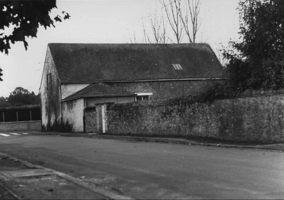 La maison de Solesmes, le mur du jardin.