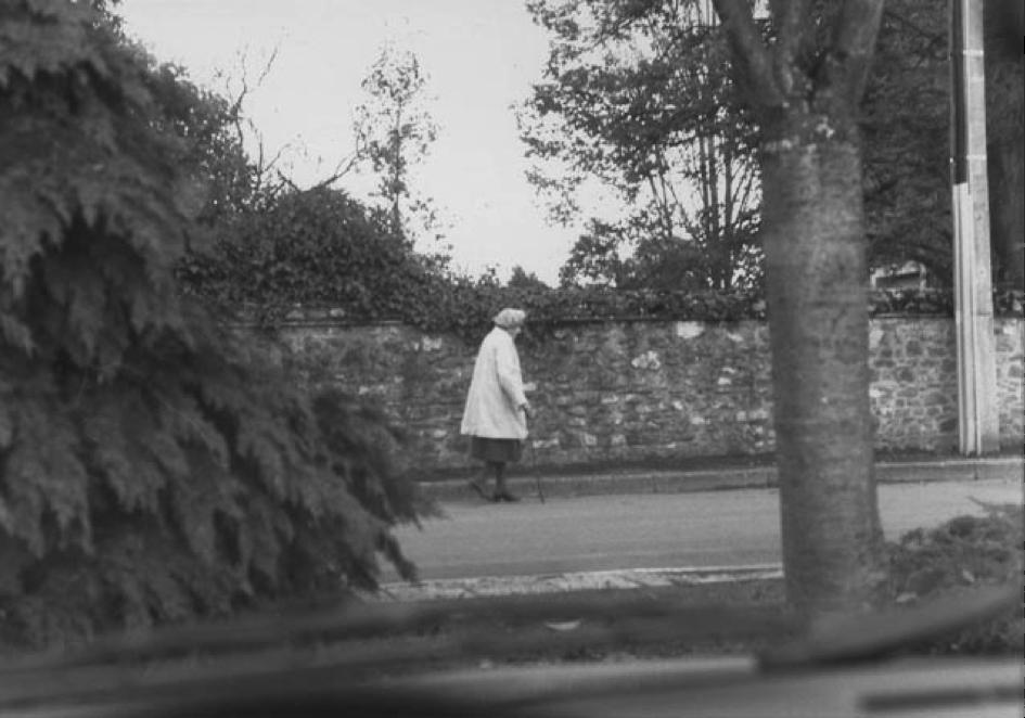 Henriette Reverdy en chemin pour les Vêpres.
